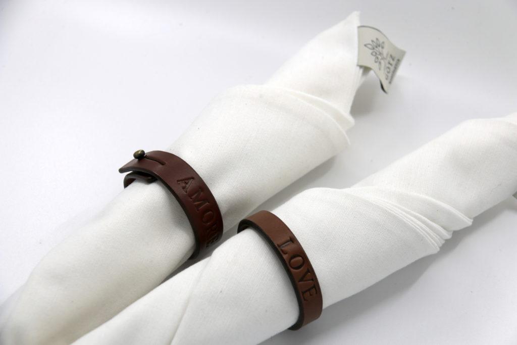 Personalisierbarer Serviettenring aus Leder