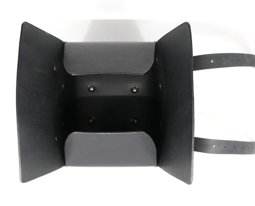 Motorradbox Leder schwarz nach Mass Götz Manufaktur