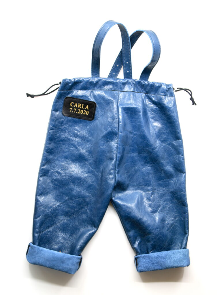 Lederhose Kleinkind zum kriechen Leder blau Götz Manufaktur