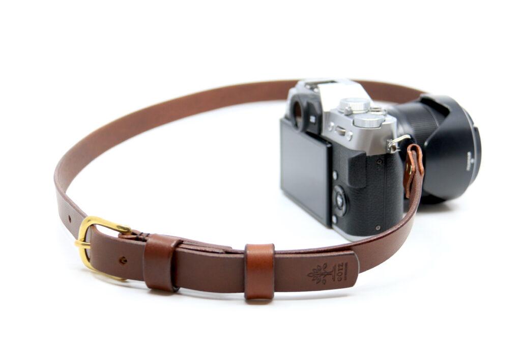 Fotokamera Tragriemen personalisiert Leder Götz Manufaktur